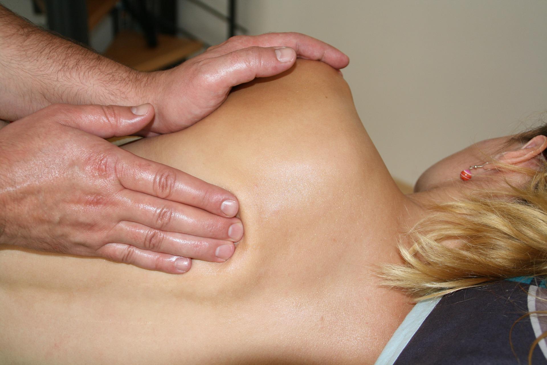 massage-486700_1920